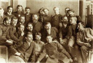 1897 А.И.Куинджи с учениками. А.А.Борисов первый слева в первом ряду.