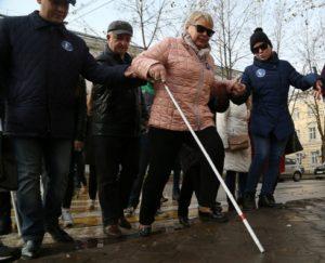 В День белой трости в Сыктывкаре прошла акция-шествие