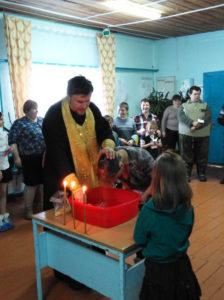 Более 70 чулымцев приняли Таинство Крещения