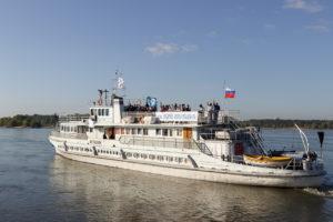 Корабль-церковь «Святой Апостол Андрей Первозванный» отправился вверх по Оби