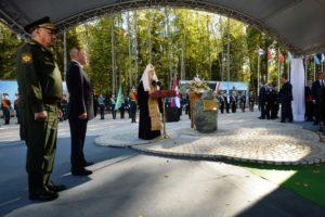 Святейший Патриарх Кирилл освятил закладной камень в основание главного храма Вооруженных сил РФ