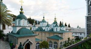 На Афоне верующим в таинствах участвовать нельзя, а поклоняться святыням – можно, сообщили в Русской Церкви