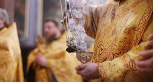 Патриархия поможет в Москве нуждающимся священникам и вдовам клириков