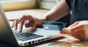 В Церкви предупредили о возможном мошенничестве на ряде сайтов, собирающих деньги на требы