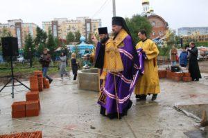 В день церковного новолетия в Сыктывкаре заложили первые кирпичи  в основание храма
